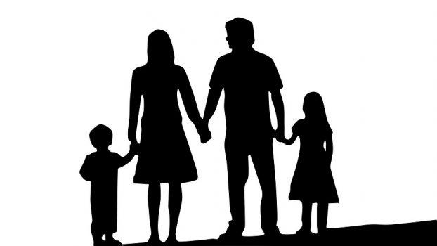 famiglia_genitori_bambini_intelligenzaemotiva